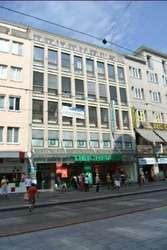 520 m2 Großraumbüro direkt an der Landstraße