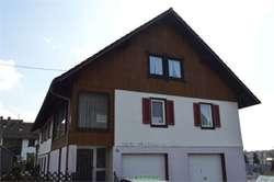 Schwarzwaldhaus mit 2 Wohnungen zu verkaufen