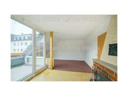 Suhl: Mitte 3 Raum Wohnung mit großem Dachboden,Wohnküche,Balkon (-;)