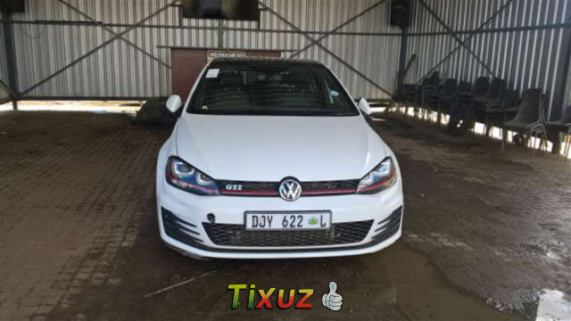 Water Damaged Code 2 2015 Volkswagen Golf 7 GTi 2.0 TSI DSG   Gauteng,  Pretoria   90000 ZAR